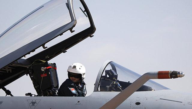 Китайские истребители перехватили военный самолет США над Восточно-Китайским морем