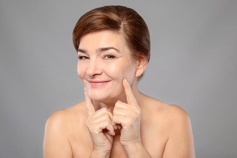 Желатин и активированный уголь — маска № 1, чтобы замедлить процесс старения и продлить молодость