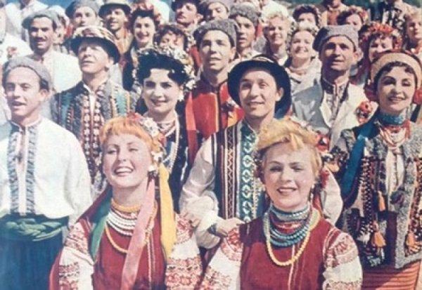 Русофобка Ницой рассказала, как чудом выжила в СССР, в котором расстреливали за вышиванку