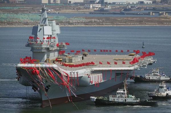 """""""Пипи-Ся"""" - первый китайский авианосец спущен на воду"""