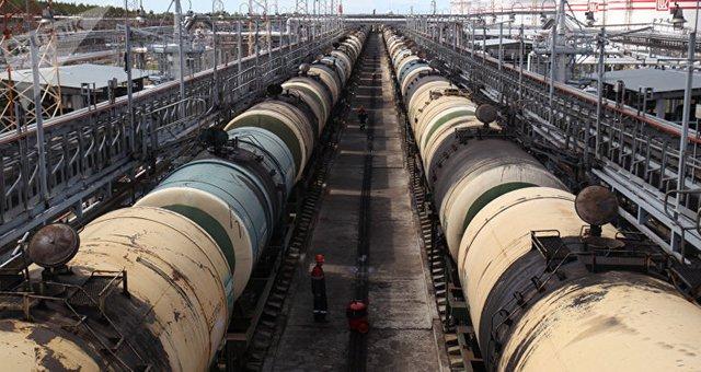 Казахстан планирует запрет импорта бензина из России