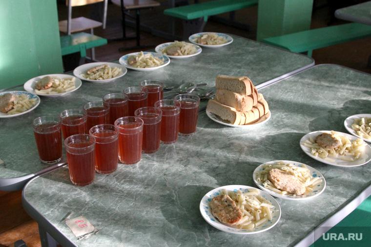 Чиновница переложила ответственность за питание детей в школах на родителей: «Нет у нас такой обязанности».