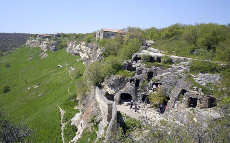 Загадки пещерного города Мангуп-Кале ( Крым )