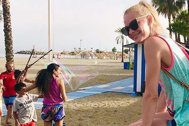 Светлана Ходченкова опубликовала горячие снимки из отпуска в Испании