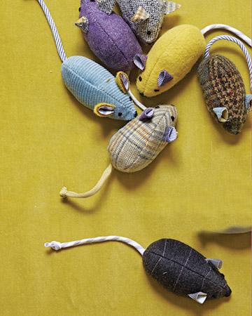 Симпатичные мышки-игрушки для кота