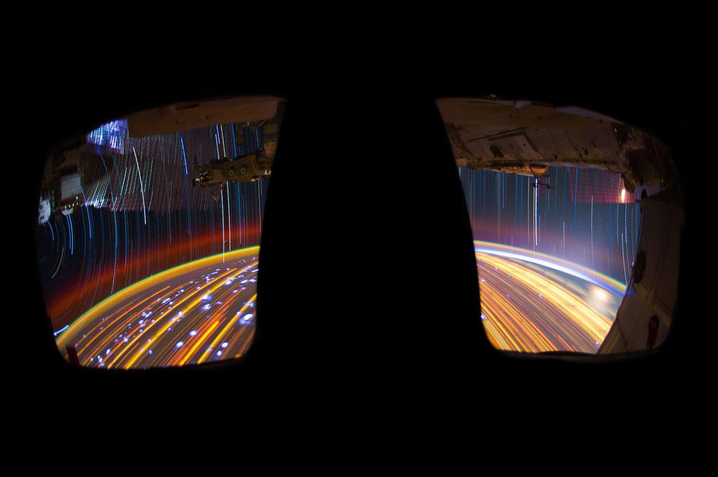 2138 Звездные следы   фото с МКС