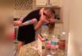 Она думала, что муж с дочерью готовят еду. Когда она зашла на кухню, то увиденное растрогало её до глубины души!