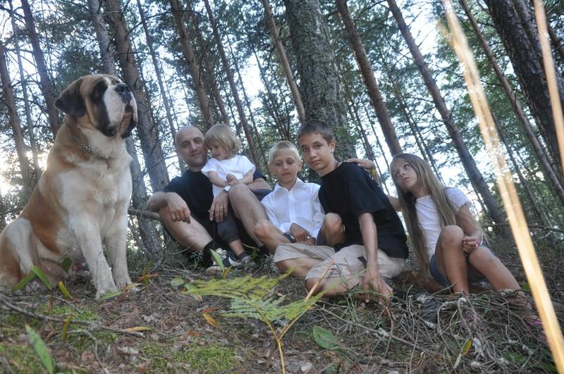Шмель на страже семьи