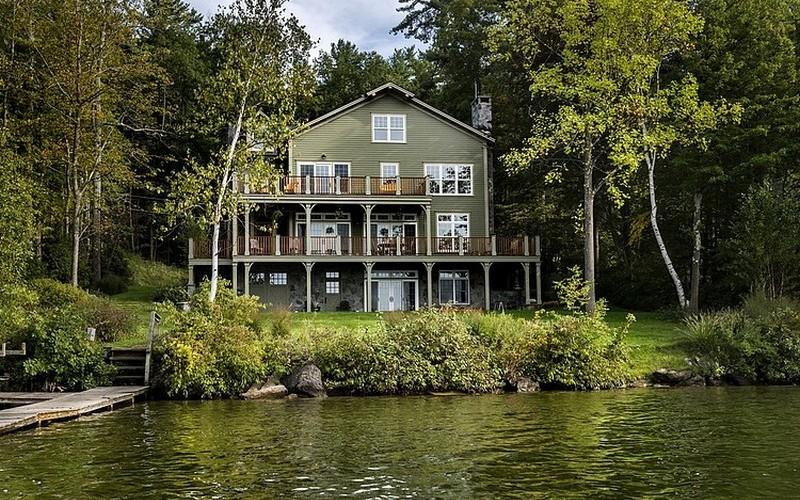 SALE-  всего за $1 продается трехэтажный дом в штате Массачусетс