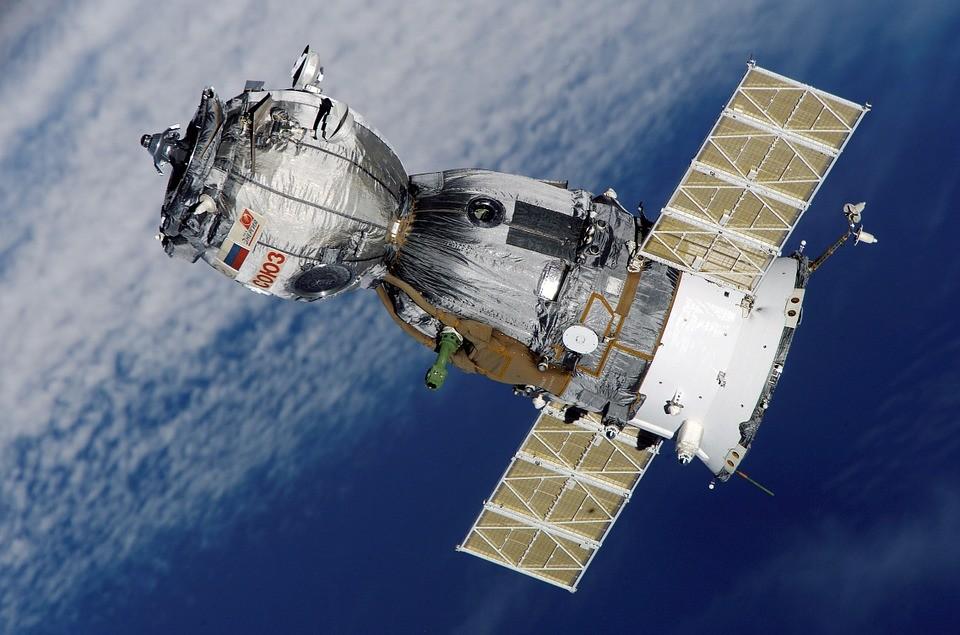 СМИ: Американцы намеренно просверлили дыру в космическом корабле РФ «Союз МС-09»