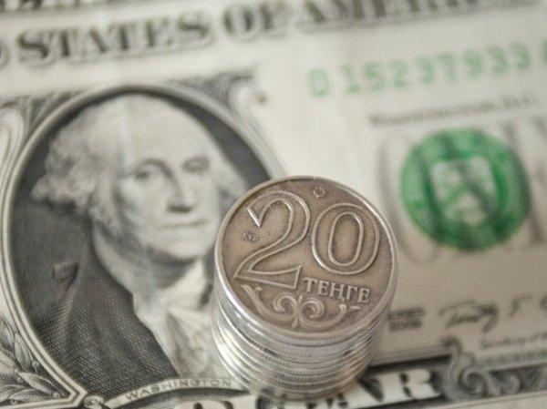 Застрявший вблизи минимума доллар, подталкивает рубль к росту