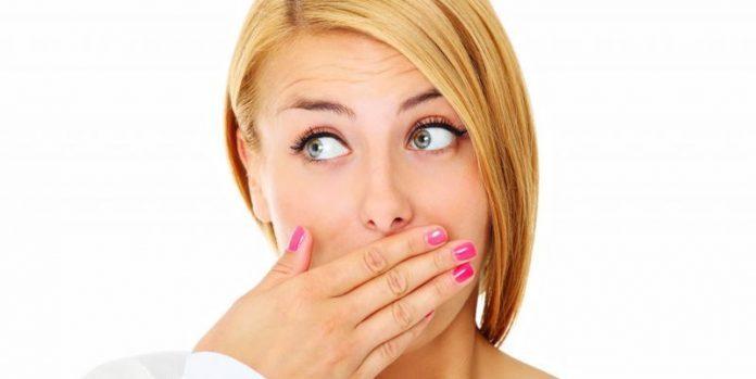 Натуральный способ избавиться от неприятного запаха изо рта всего за 5 минут