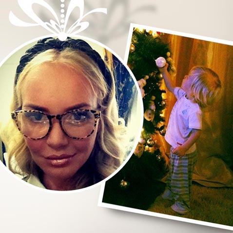 Праздник к нам приходит: Малиновская и другие звезды наряжают дома елки