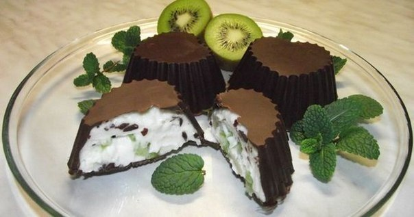 Шоколадные сырки с фруктами - как приготовить в домашних условиях)