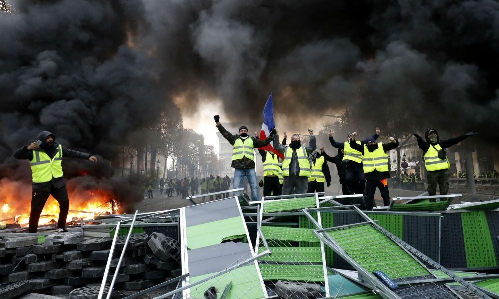 Правительство Франции винит …