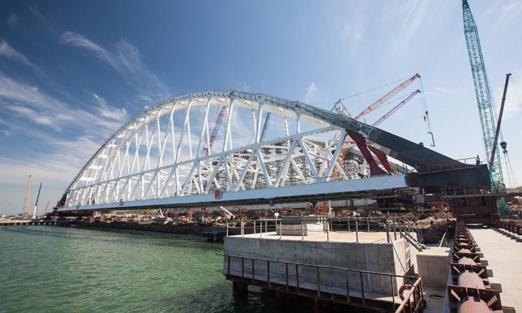 Крымский мост пустит Украину по миру