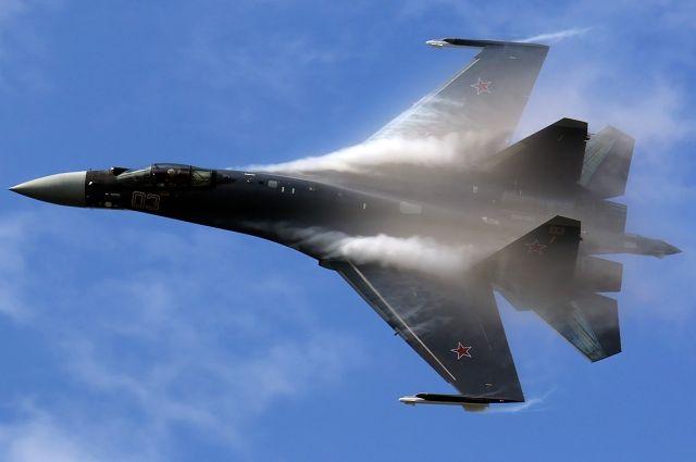 Американские СМИ назвали преимущества российских Су-35 перед F-22