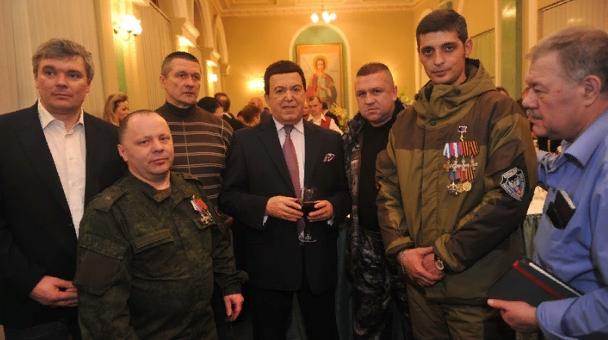 «Донбасс потерял одного из лучших сыновей»: В ДНР объявили траур по Кобзону