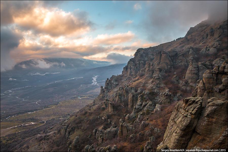 Красота долины Привидений в Крыму