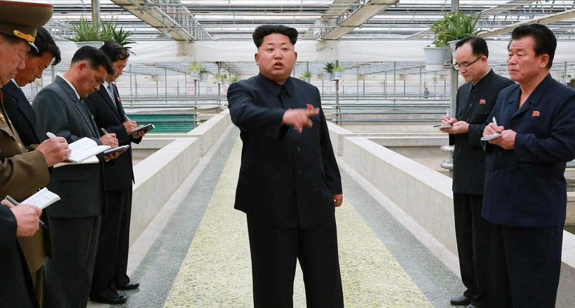Несколько абсурдных вещей, за которые с легкостью могут казнить в Северной Корее
