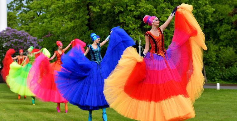 В Петербурге стартует фестиваль уличных театров «Елагин парк»