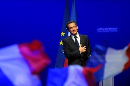 Sarkozy returns to politics, offers France new start