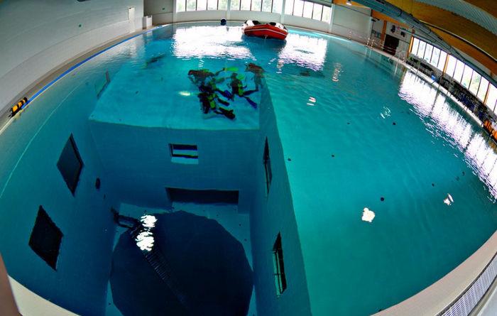 Где находится самый глубокий в мире бассейн, и как в нём искупаться