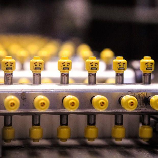 Как производят конструктор lego
