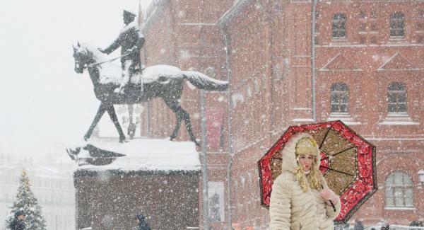 """Аномальный снегопад в Москве шокировал британцев: """"Сумасшествие! Это же настоящий Армагеддон"""""""