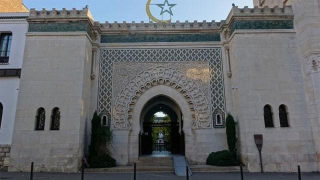«Мечеть Парижской Богоматери»: Мрачные пророчества уже сбываются