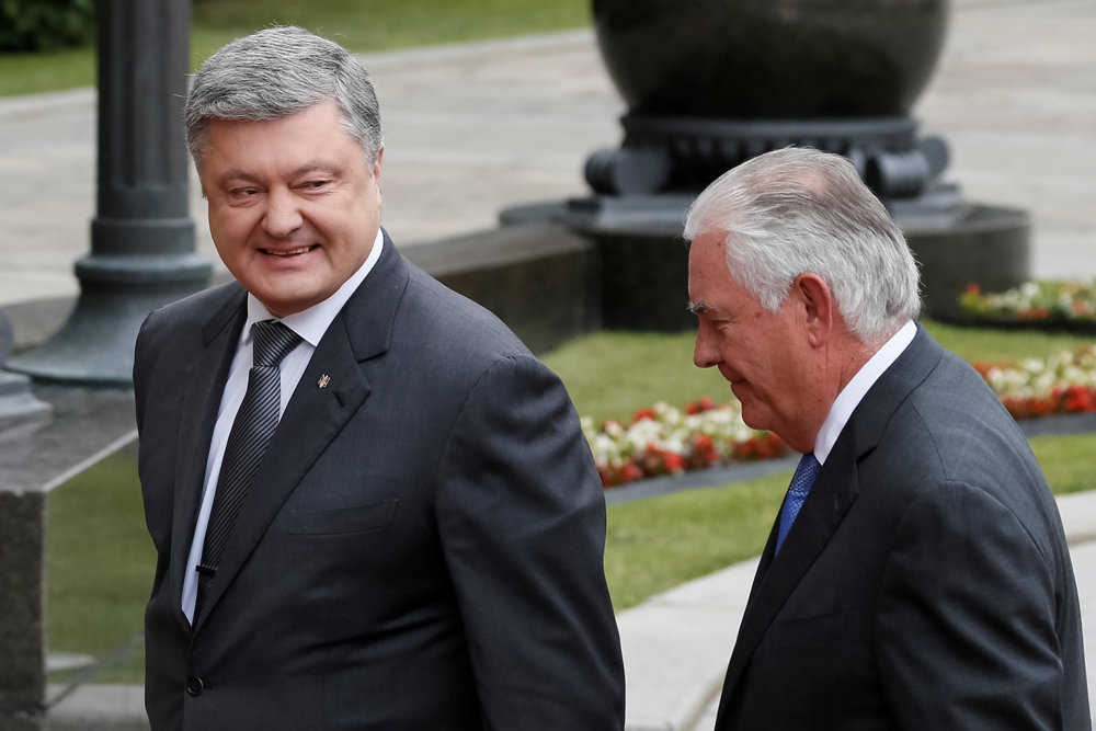 Тиллерсон не пообещал Порошенко новых займов и военной помощи