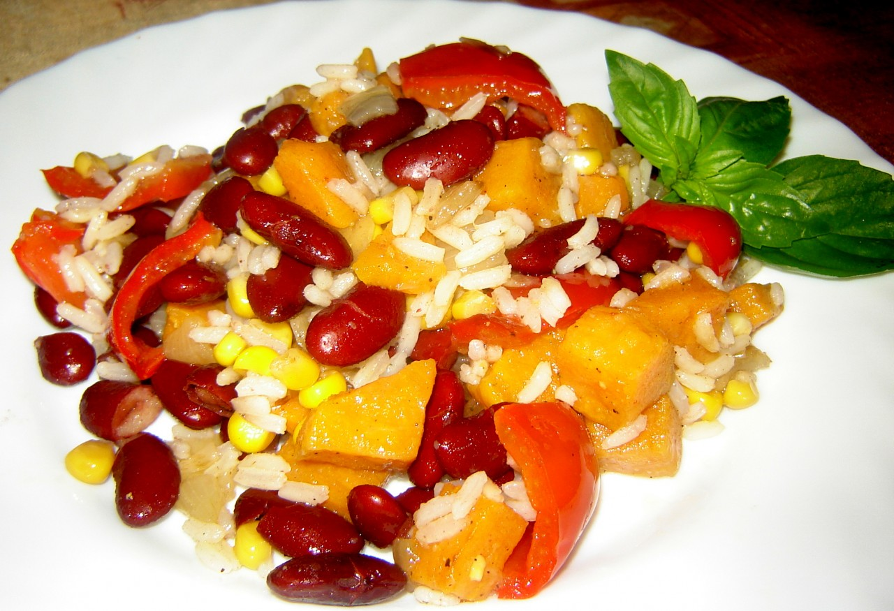 Жареный рис по-мексикански