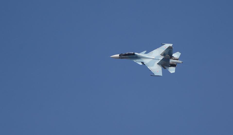 МО РФ: Су-30 выполнил манёвр приветствия, обнаружив самолёт-разведчик ВМС США