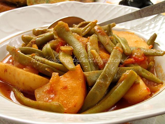 Зеленая фасоль тушеная с картофелем по-гречески
