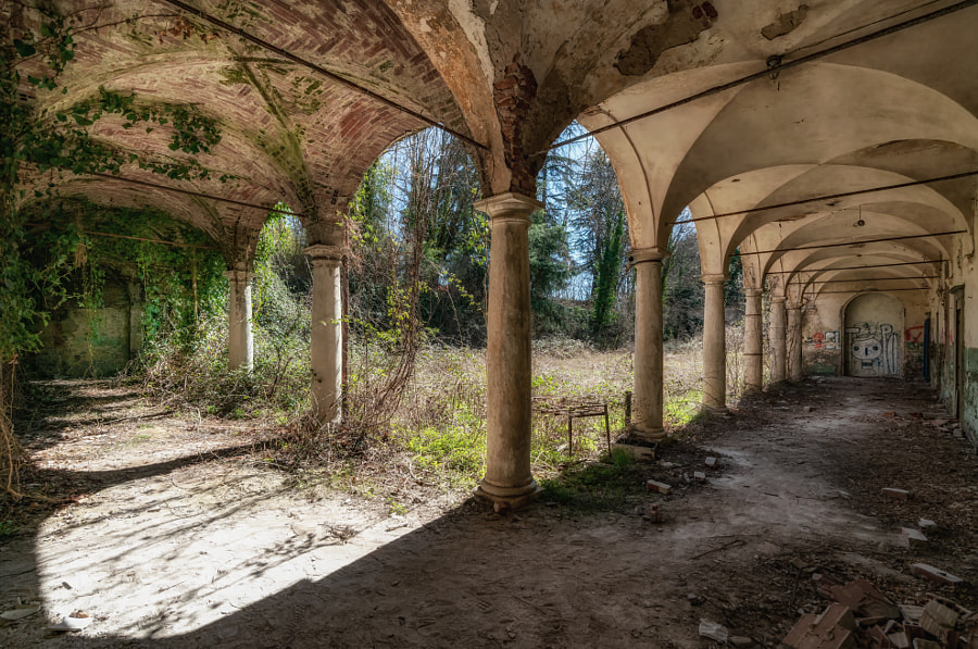 Abandoned Villa Moglia by Michael Sroka on 500px.com
