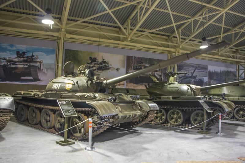 Рассказы об оружии. Танк Т-62 снаружи и внутри