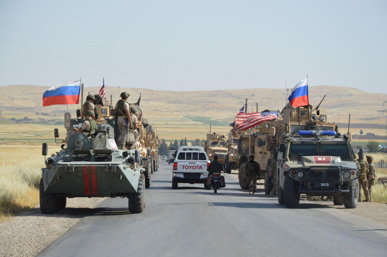 «Кто вас сюда звал?!» — Армия России заблокировала военных США в Сирии и поставила их на место (ВИДЕО)