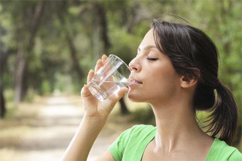 Одиннадцать причин почему нужно пить воду