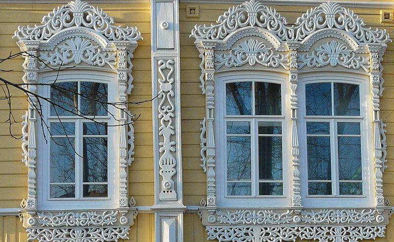 О чем рассказывают оконные наличники русских домов: символизм в деревянном зодчестве