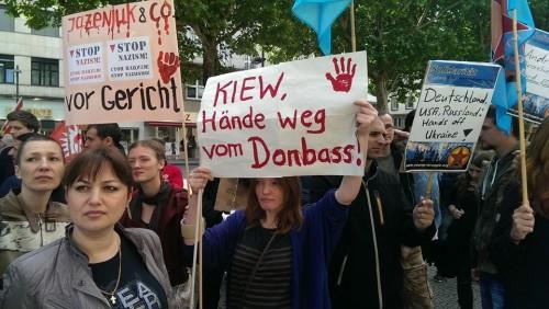Немцы против Яйценюха-фашиста и душегуба.