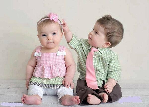 Двойняшки брат и сестра