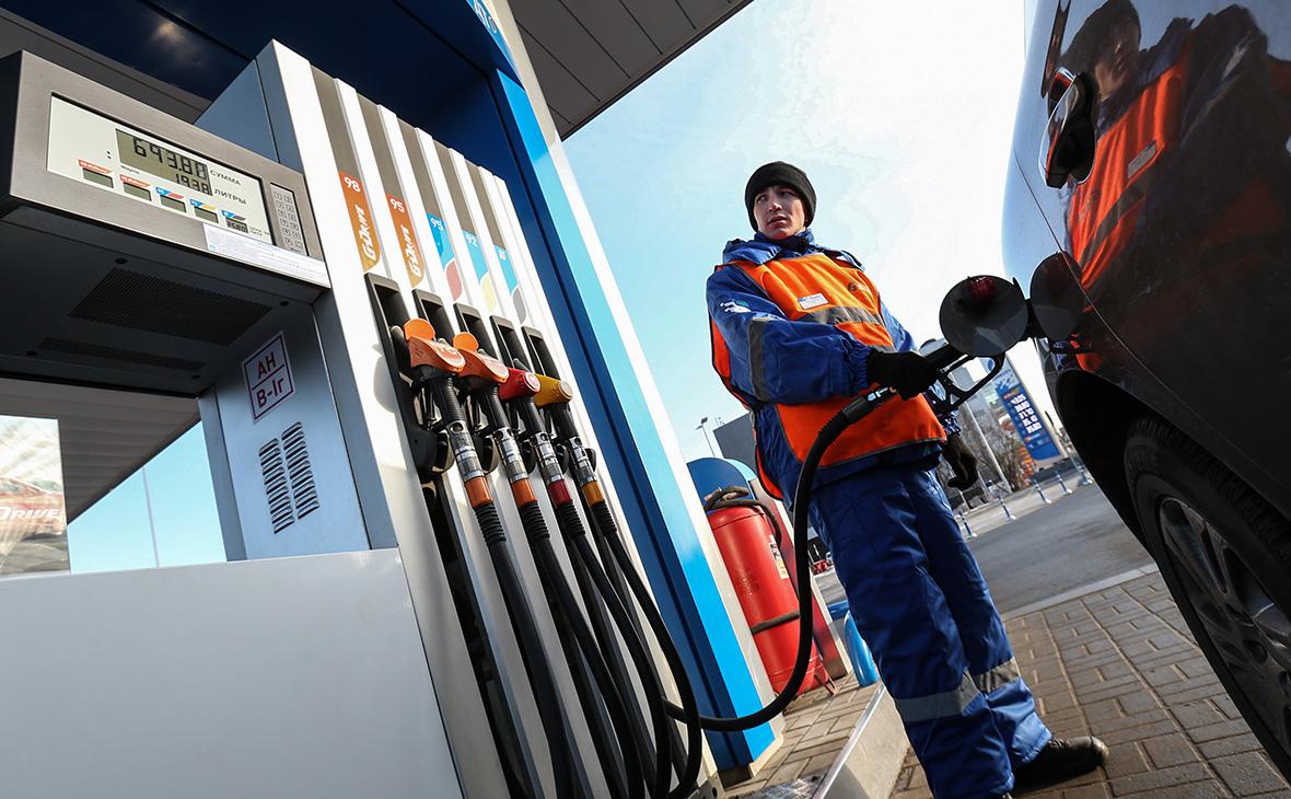 Независимый топливный союз: Цена на бензин вырастет в России до 100 руб. за литр в течении года