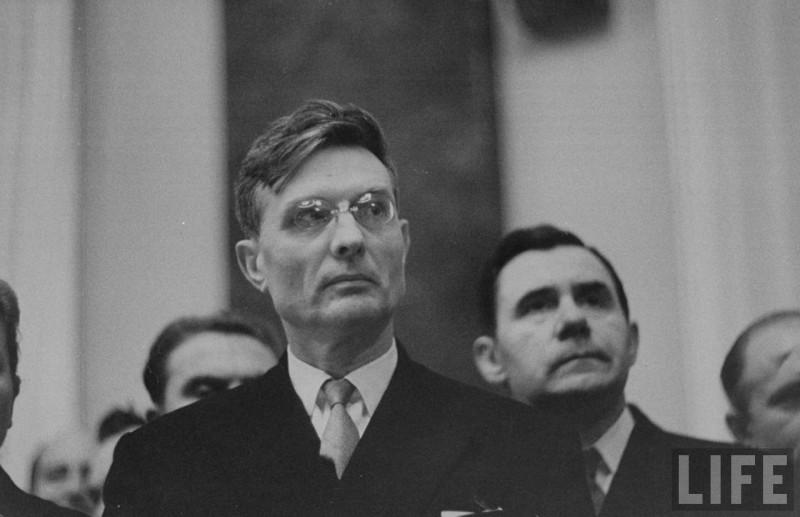 Серый кардинал СССР и его могильщик