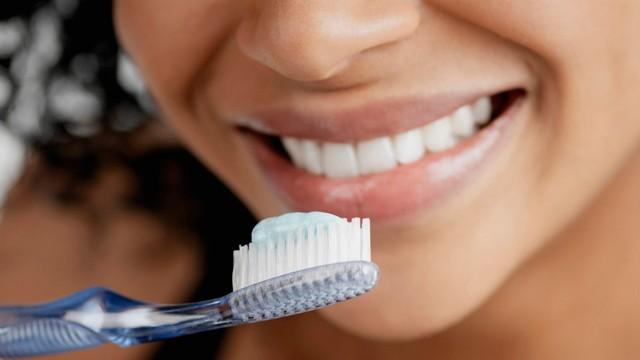 Картинки по запроÑу ЧиÑтите зубы чаще и менÑйте зубную щетку раз в 2 меÑÑца