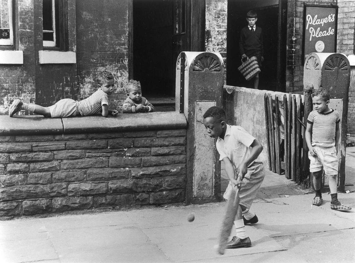 Обаяние трущоб Манчестера в фотографиях Ширли Бейкер 1960-х годов 4