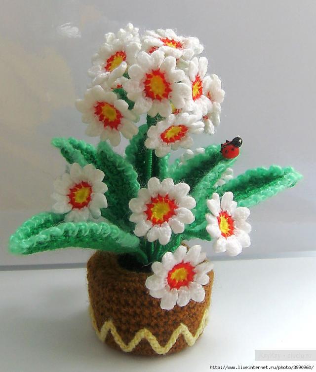 Вязаные цветочки крючком.