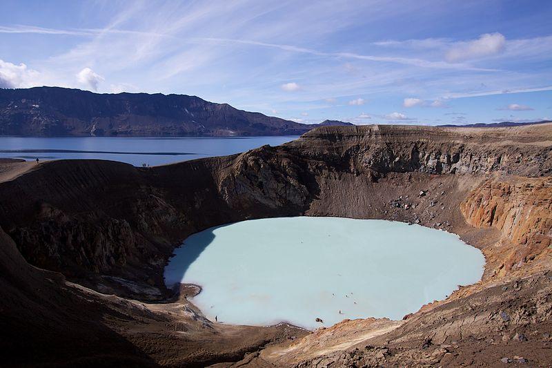 Геотермальное кратерное озеро Вити, Аскья, Исландия.