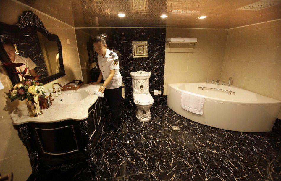 Роскошный отель на боевом авианосце. Верх китайского практицизма!