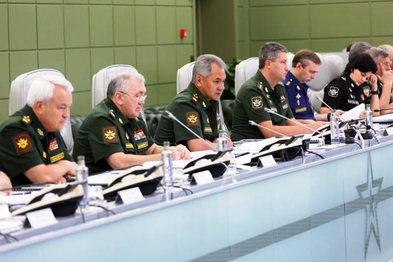 Шойгу рассказал о выполнении контрактов в интересах ВМФ