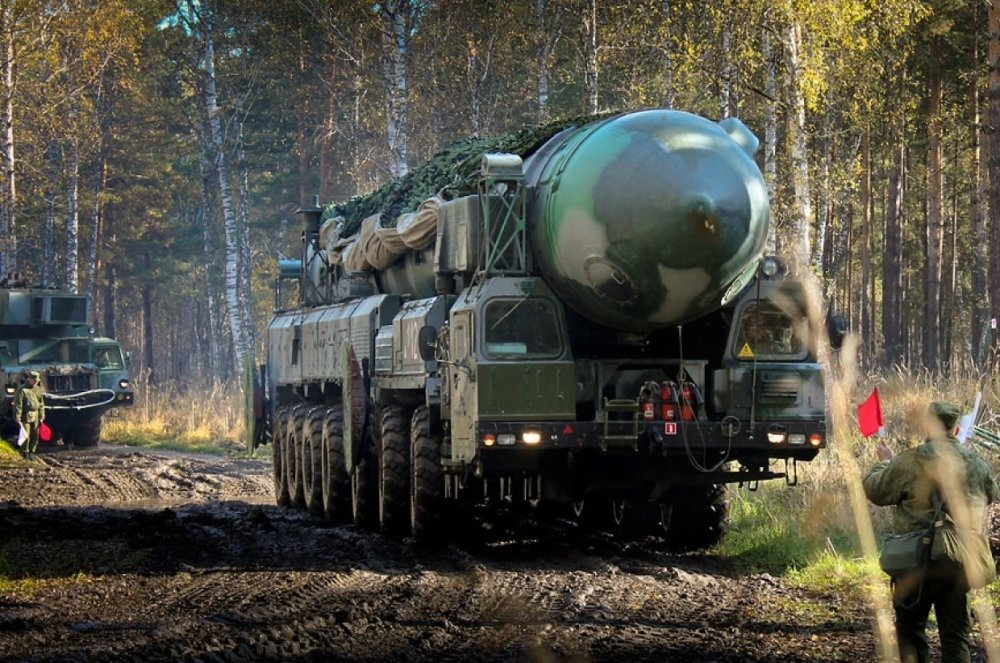Ракетный КамАЗ «переехал» ба…